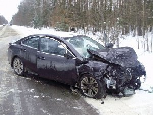 Шофёр пикапа умер натрассе вЧелябинской области