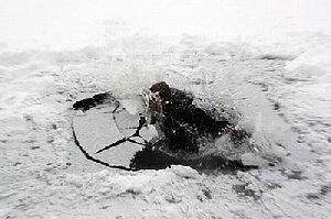 Утонувшего рыбака отыскали повсплывшему ботинку вМагнитогорске